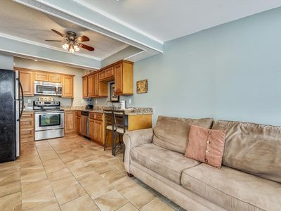 Photo for 1 Bedroom Apartment, Sleeps 4.  Steps from the beach! Free Fun!