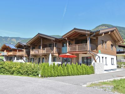 Photo for High-quality apartment with a spa close to Kaprun
