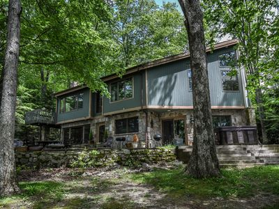Photo for Gently sloping lake front, private dock & scenic views
