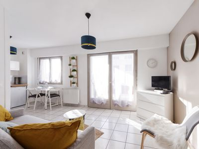 Photo for Calm flat w/ terrace on a high floor and parking, Annecy center - Welkeys