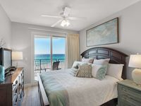 Beautiful condo with spectacular views