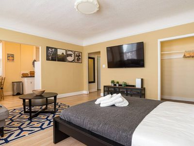 Photo for Prime location: Pacific Heights. Spacious Jr 1 bedroom.