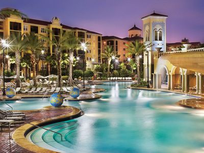 Photo for 1BR King Suite w/ Sofa Bed Sleeps 4 near Disney, Universal, and Outlet Malls
