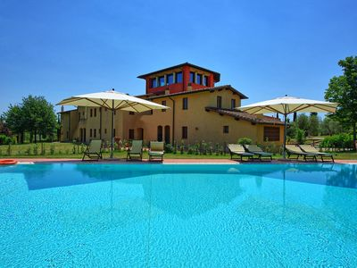 Photo for Apartment in Cerreto Guidi with 1 bedrooms sleeps 4