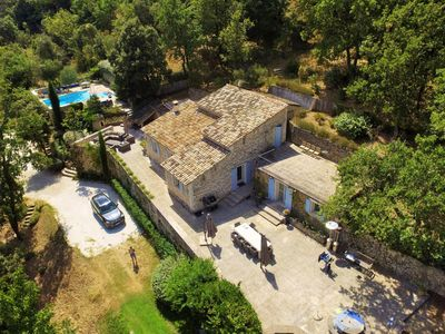 Photo for Villa with guesthouse and private pool within walking distance of Ménerbes in Provence