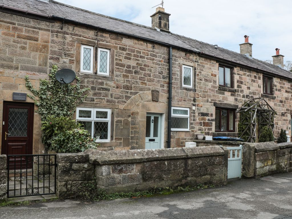 3 BROOKSIDE COTTAGES, Pet Friendly In Two Dales, Ref 970003