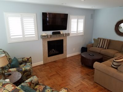 """Cozy living Room w/brand new Lazy-Boy chairs & sofa, gas fireplace and 55"""" TV!"""