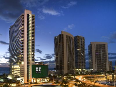 Photo for Luxury Apartment One Bedroom- HD 305