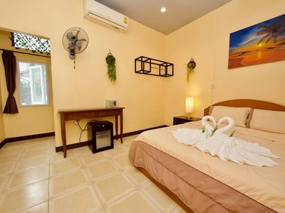 Photo for ⭐ Double Room ❤️ New Pool, Patio, AirCon & WiFi ⭐