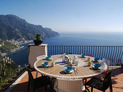 Al-fresco meals to remember on the terrace with stunning views.