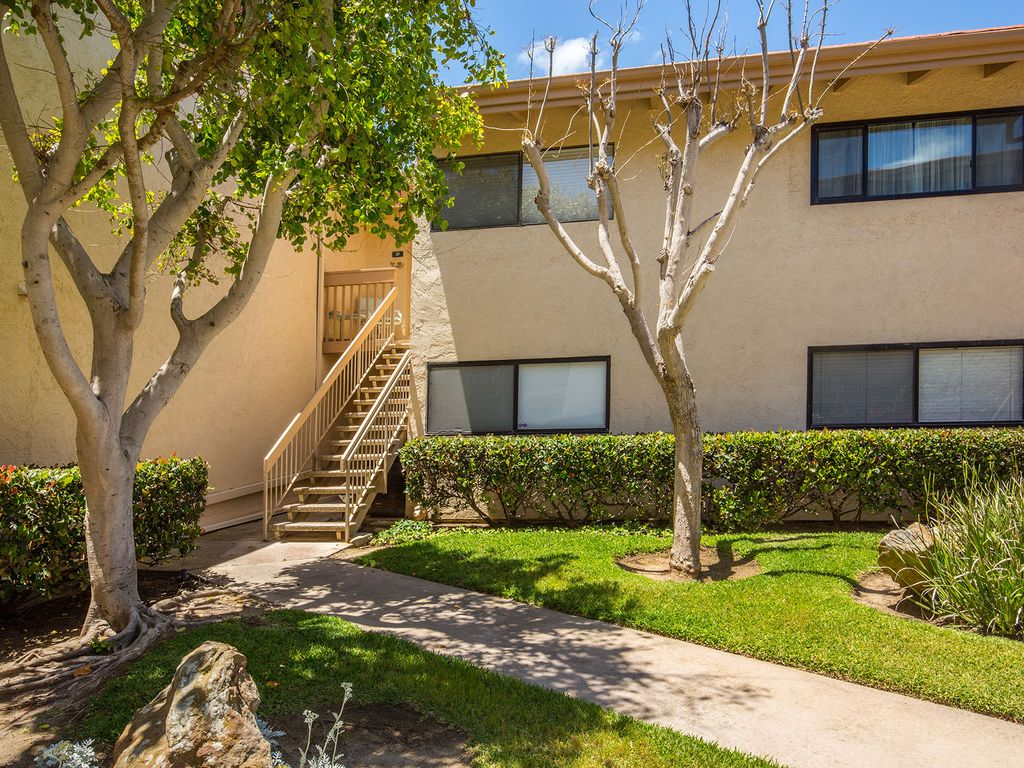 South Sierra Condominium #115776 ~ RA175493