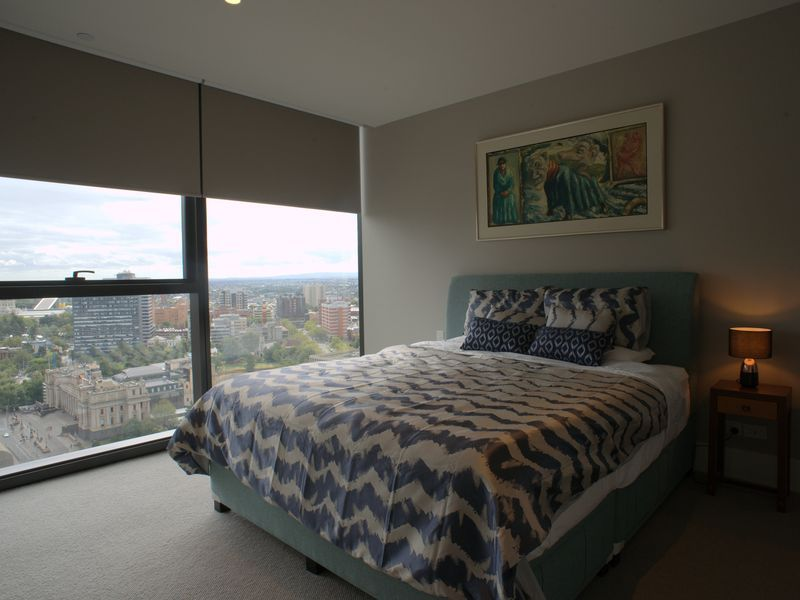 """Luxury at the """"Paris end"""" of Collins st overlooking Parliament House"""