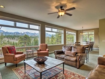 Photo for 5 Bed 4 Bath Unbelievable Home with Gorgeous Views and Hot Tub on Deck - Paradise