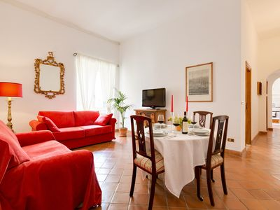 Photo for Trastevere Roman house, great and quiet. Apartment located in the heart of Rome