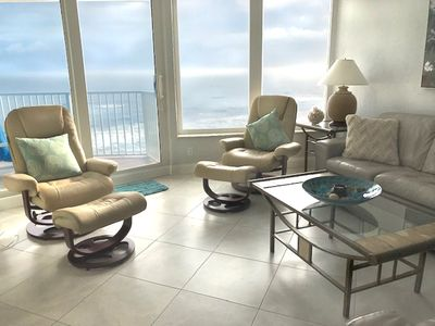 "Spectacular ""On-top-of-the ocean"" Views!"
