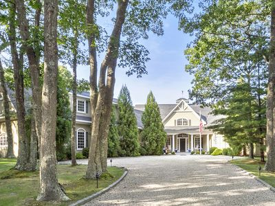 Photo for Private 5 Acre Estate. Close to Village and Ocean Beaches.