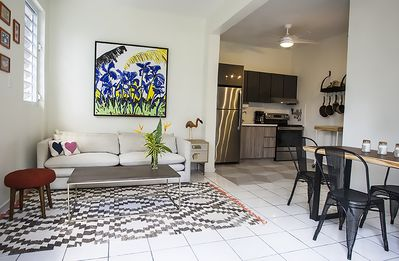 R Casa Unit 1 with pool, walking distance to Steps beach