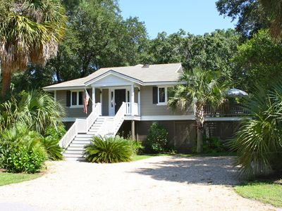 Photo for Classic Island Beach House / Pet Friendly / Close to the Beach!