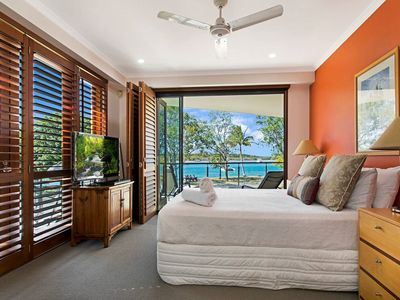 Photo for Luxury Riverfront Apartment - Lift Access, Gympie Terrace at your Doorstep