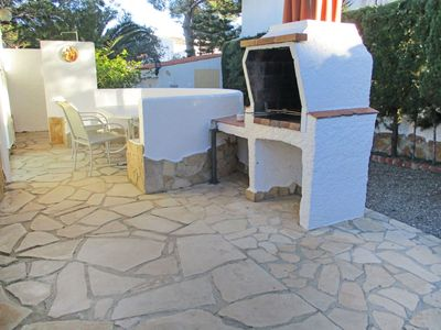 Photo for Wonderful private villa for 5 people with TV, pets allowed and parking