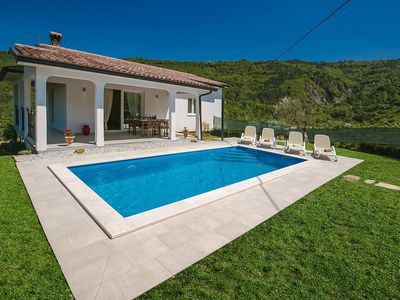 Photo for Detached holiday home with private swimming pool, near Medieval hill town Motovun