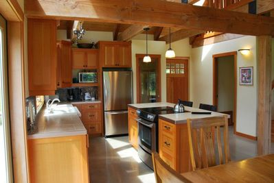Open concept fully equipped kitchen great for entertaining