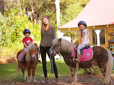 Photo for GUMLEAF COTTAGE FARMSTAY - Free daily Animal feeding - close to Perth!