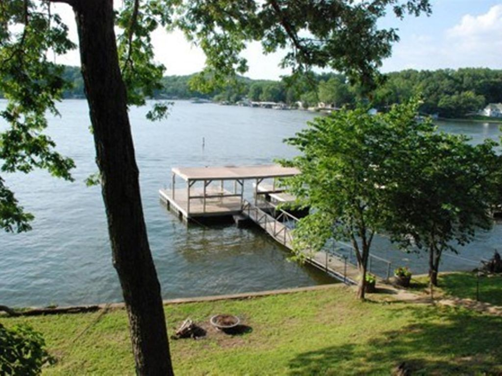 sunset cottage one story home sloping lot and spacious lake views property image 13 sunset cottage one story home sloping lot and spacious lake