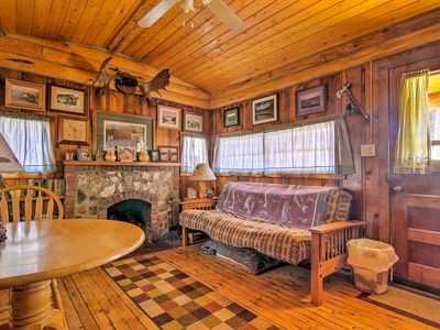 Photo for 'Autumnsong Fireside' Cabin-Walk to DT Buena Vista