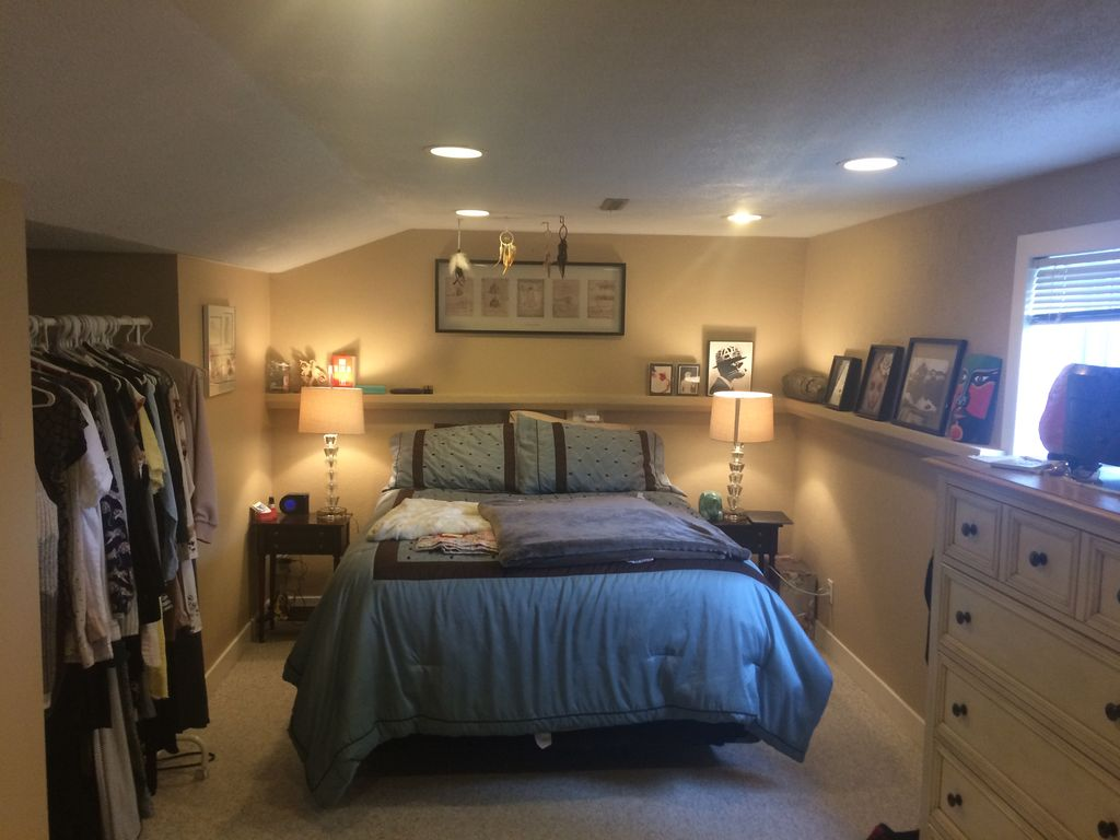 Master Bedroom Basement Suite For Females Or Couples Only