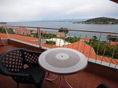 Photo for Two bedroom apartment with balcony and sea view Kali (Ugljan)