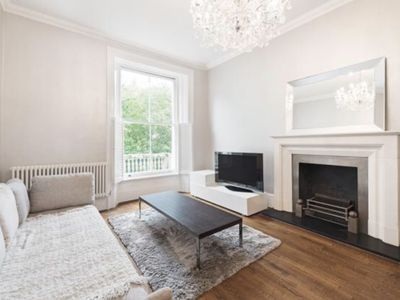 Photo for Splendid 2 bedroom apartment 2 steps from Hyde Park