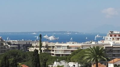 Photo for Apartment in Antibes Juan Les Pins, sea view, large pool, all comfort, 2 per