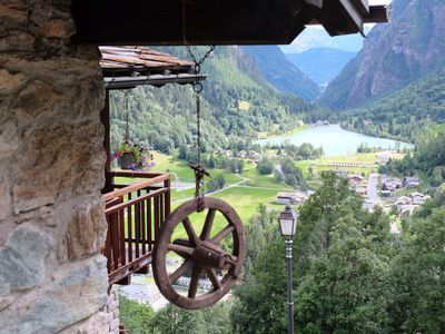 Photo for Cosy Chalet for rent with lake views