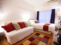 Clean, comfortable apartment located in a quiet area. Easy access to central locations with Shinjuku