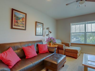 Photo for Lodge #13 - Beautiful condo, river views, in the heart of Hood River close to downtown!