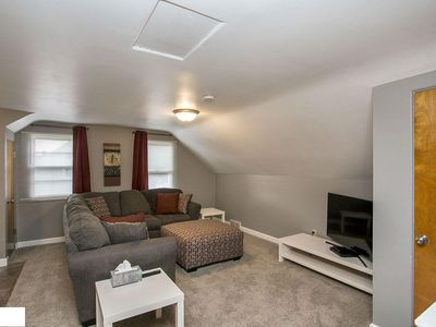 Photo for Modern 1BR Apt Just Outside of Downtown!