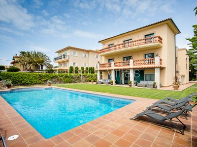 Photo for Majestic seafront villa, private pool, flat gardens
