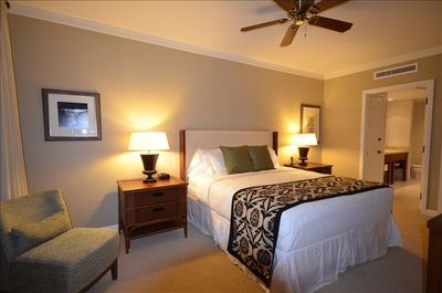 Deluxe Master bedroom with King Size bed, HDTV & huge ensuite bath