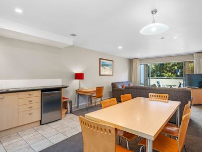 Photo for Midtown Tui Villa - Taupo Central Holiday Unit