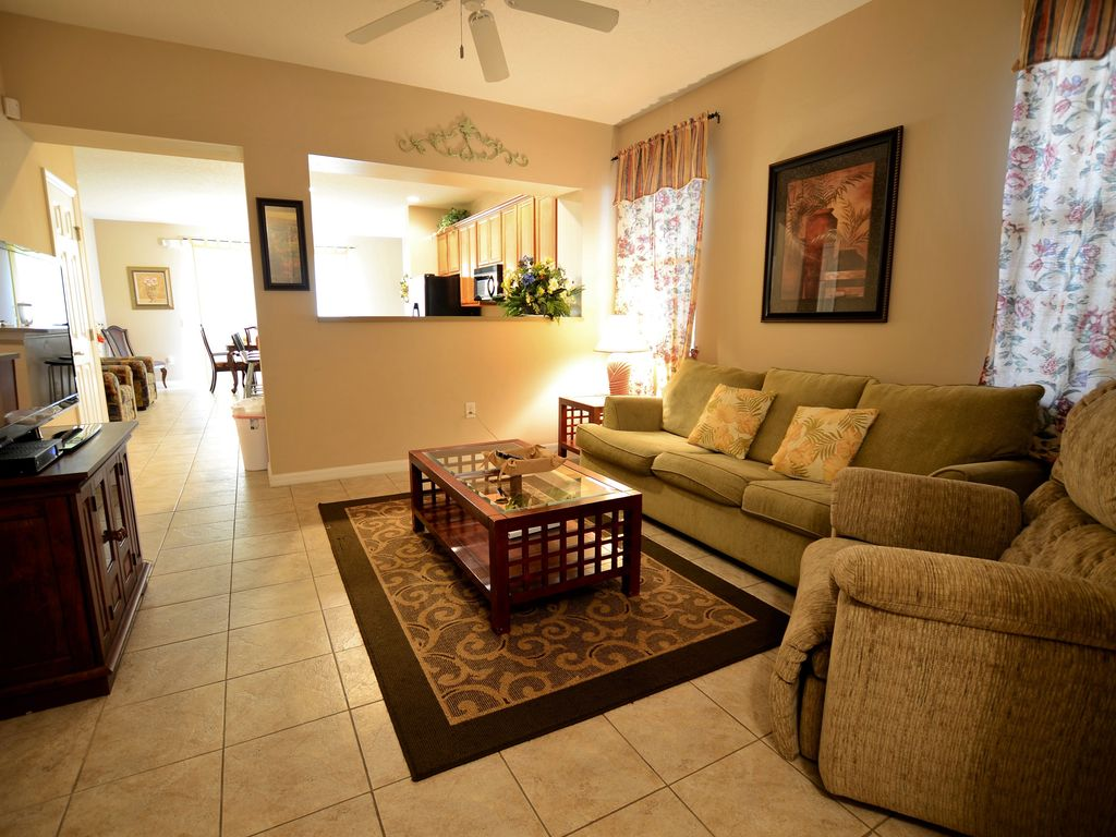 1.5 M to Disney,1600 sqft 3BR/3BA Townhome from $69/nt | BNB Daily