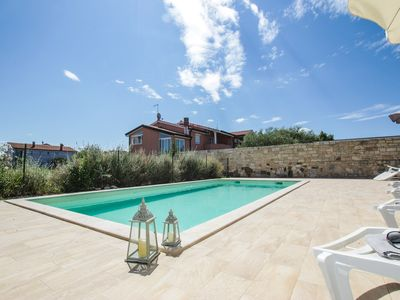 Photo for Holiday house with use of pool