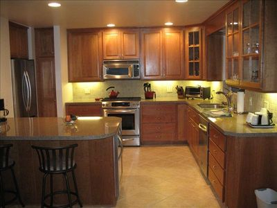 beautiful, upgraded kitchen with all appliances