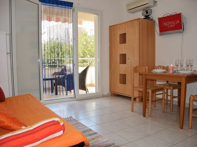 Photo for Comfortable two bedroom apartment, short walk from the city center and beach.