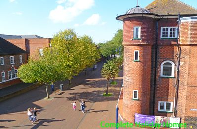 Situated opposite Gosport Museum on the edge of pedestrianised town centre
