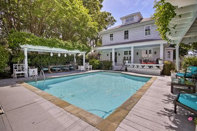 Enjoy access to a private pool!