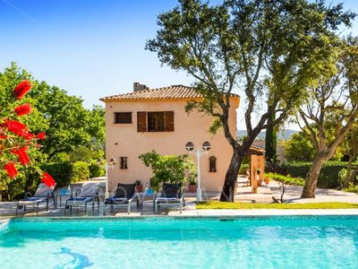 Photo for Beautiful villa in Grimaud in walking distance to the beach