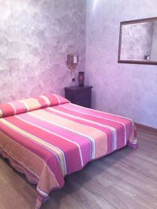 Photo for Charming apartment with garden, wi-fy, 15 minutes by metro from the Vatican