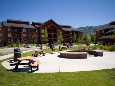Photo for Cozy Club Wyndham Steamboat Springs, 1 Bedroom Suite sleeps Four, 25 Steps to Water