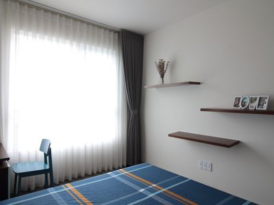 Photo for Deluxe apartment with free pool, fitness & yoga
